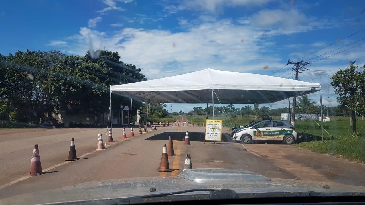 Após denúncia do Portal do Rosas, tenda da Polícia Rodoviária Estadual é trocada
