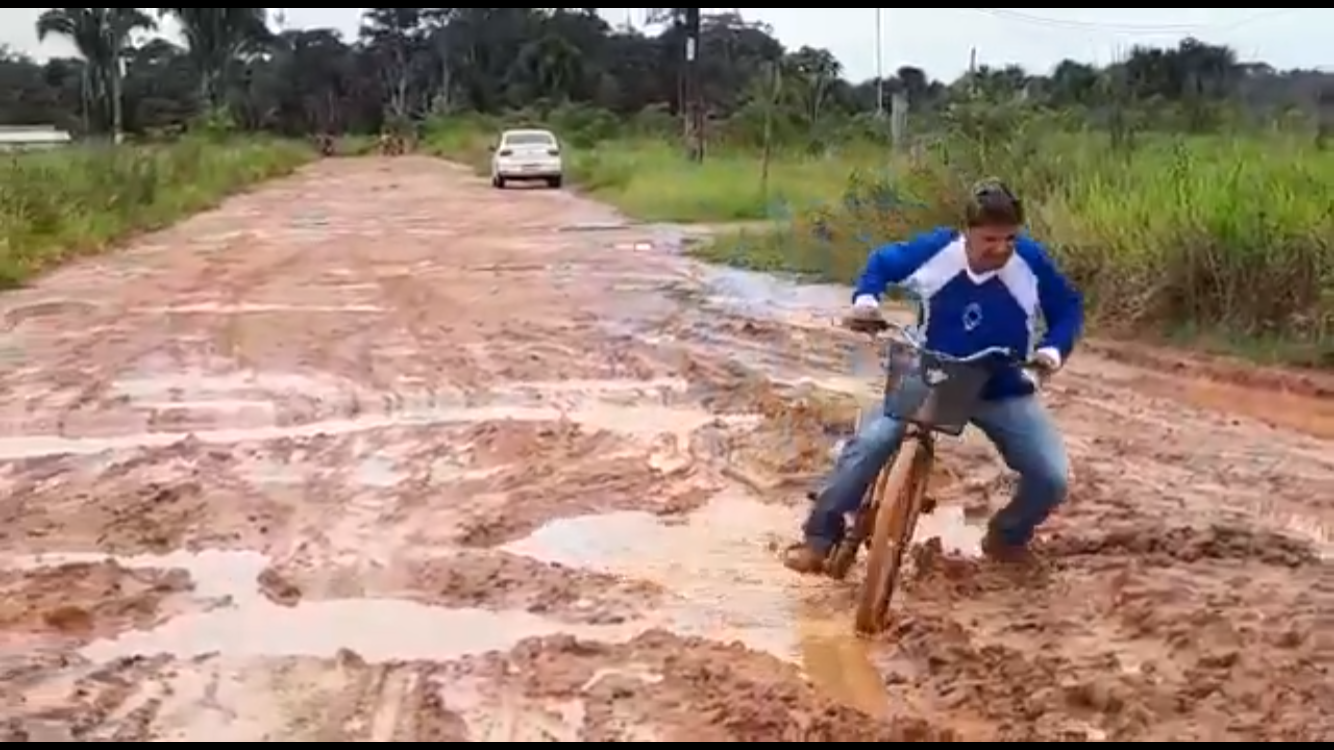 Moradores de Feijó denunciam abandono da cidade pelo prefeito