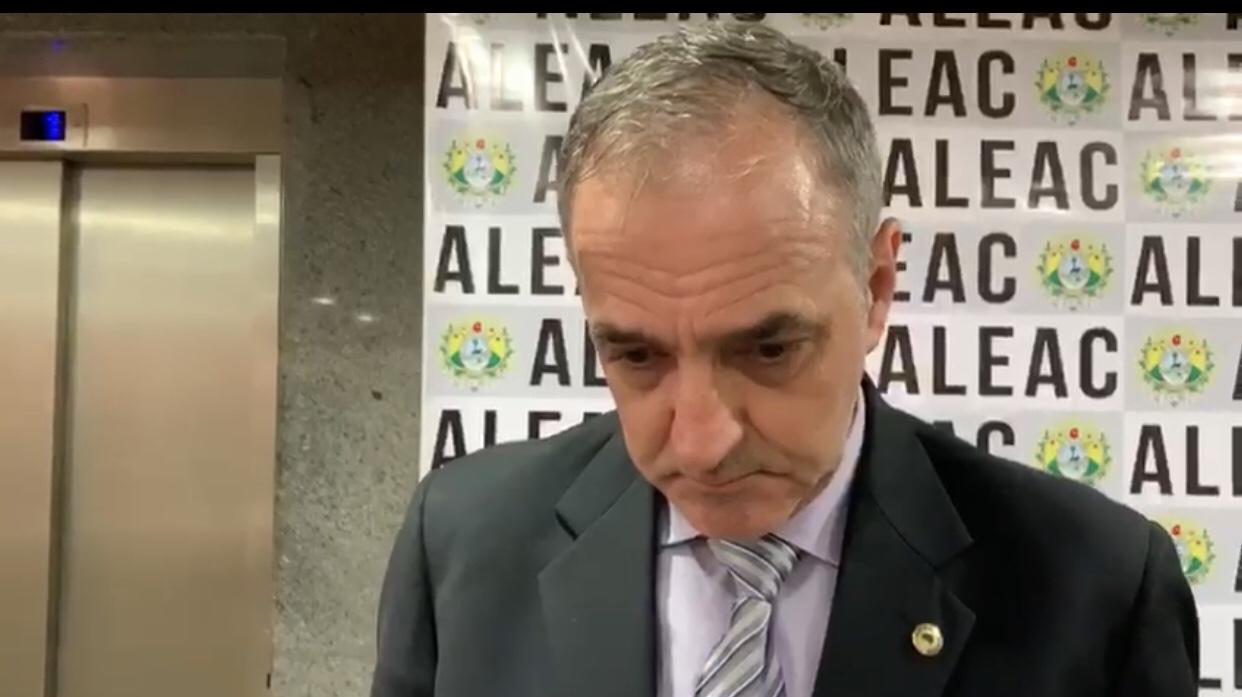 Líder de Gladson na Aleac reclama da falta de diálogo do governo com a base